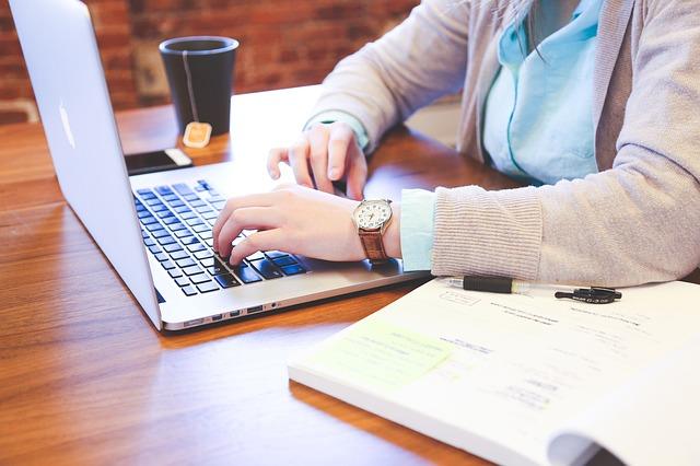 كيفية المتابعة مع مسئول التوظيف بعد مقابلة العمل 8