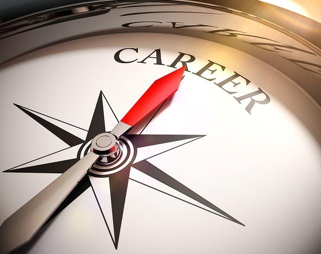 زيارة مستشار مهني أو مركز توظيف 21