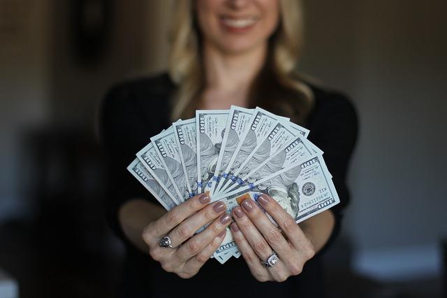 هل يمكن أن يؤدي رفع الحد الأدنى للأجور إلى التضخم